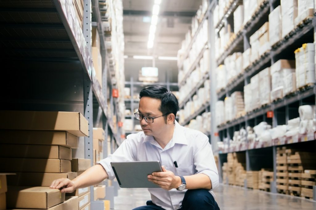 Distribution centres are a constraint for assortment planning in retail.